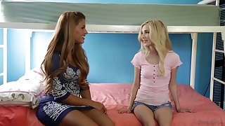 piper perri scissoring with mona wales in a hot lesbian threesome